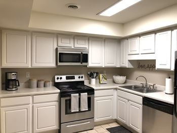 11647 Chapman Hwy 1 Bed Apartment for Rent Photo Gallery 1