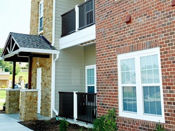 111 Hawthorne Drive 1-2 Beds Apartment for Rent Photo Gallery 1