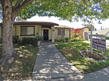 3408B Agua Ct 1-2 Beds House for Rent Photo Gallery 1