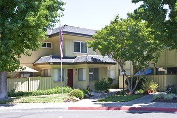200 Sheila Ct 1-2 Beds Apartment for Rent Photo Gallery 1