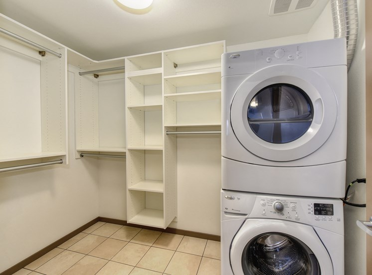 Luxury Apartment Community Full Size In Unit Washer Dryer
