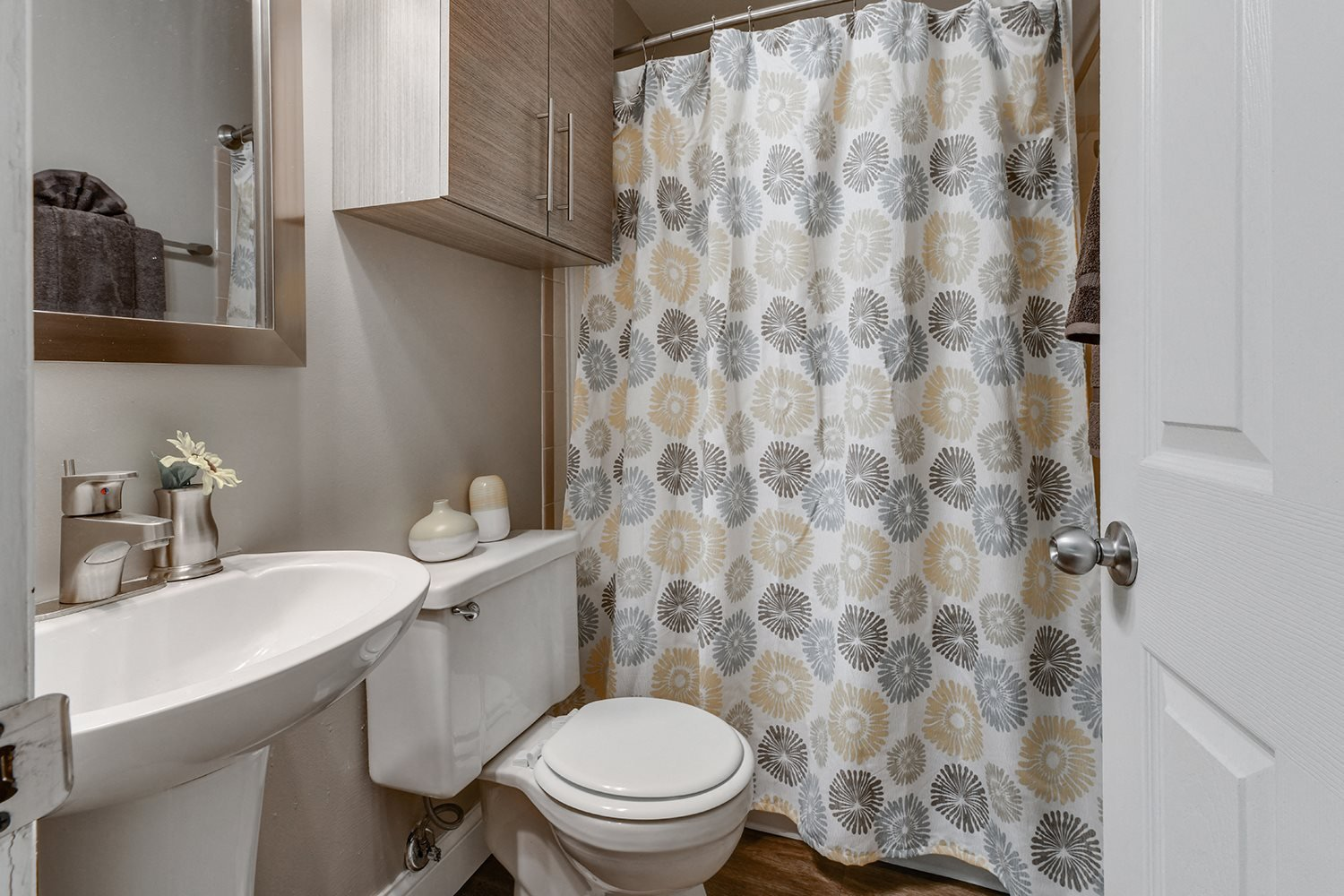 Updated Bathrooms at Heritage Hill Estates Apartments, Cincinnati, Ohio