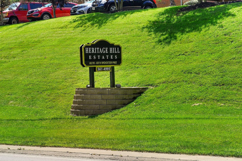 Lush Green Outdoors at Heritage Hill Estates Apartments, Ohio