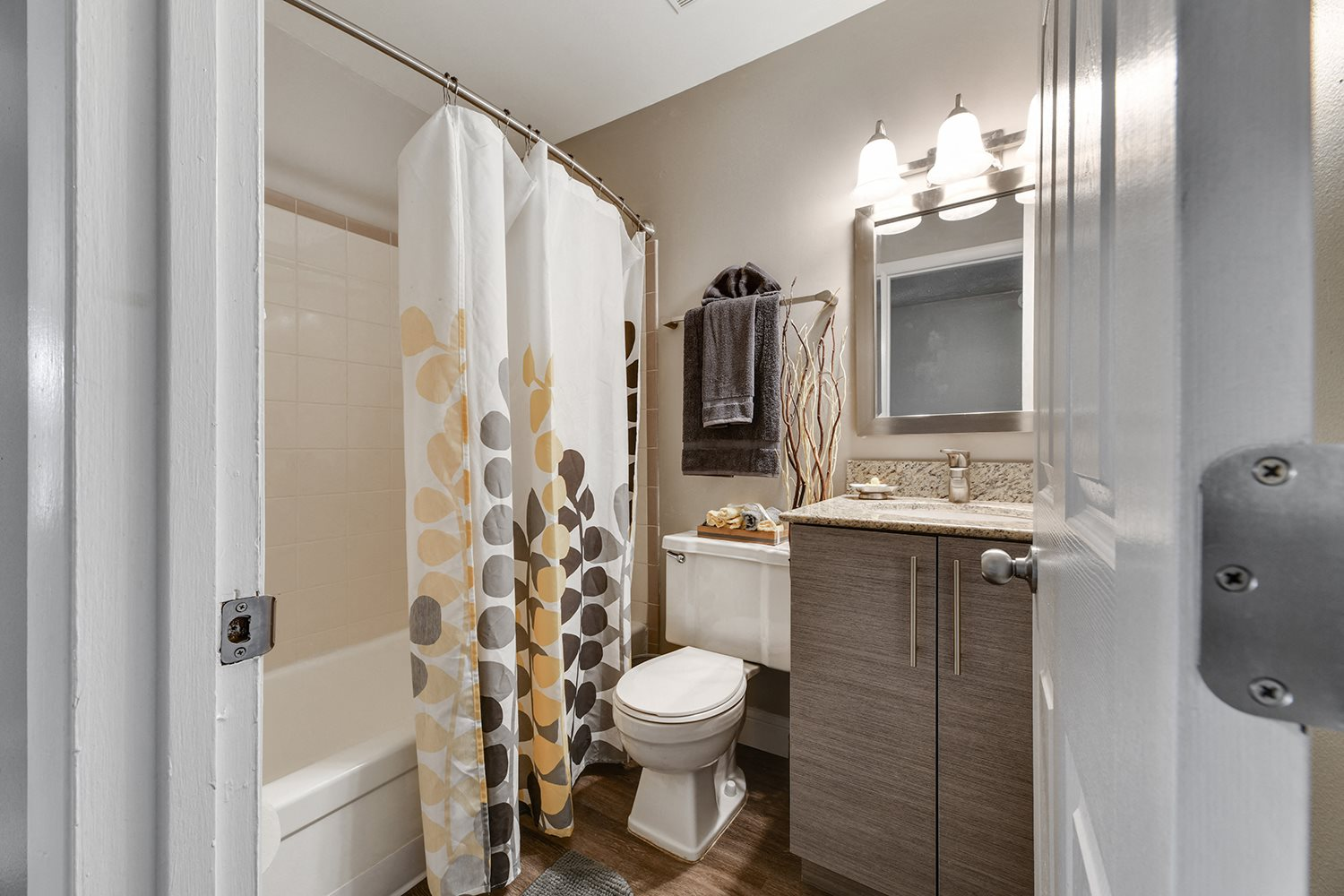 Designer Granite Countertops In All Bathrooms at Heritage Hill Estates Apartments, Ohio, 45227
