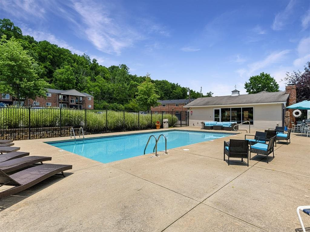 Swimming Pool With Relaxing Sundecks at Heritage Hill Estates Apartments, Cincinnati, Ohio