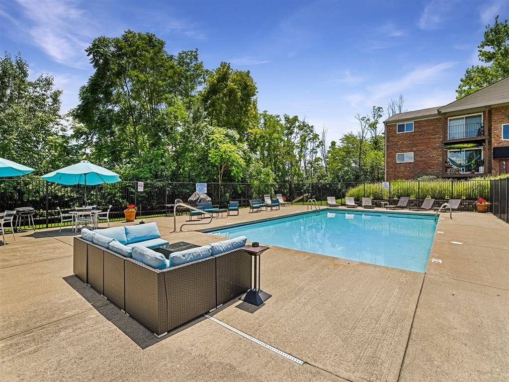 Invigorating Swimming Pool at Heritage Hill Estates Apartments, Cincinnati, OH, 45227