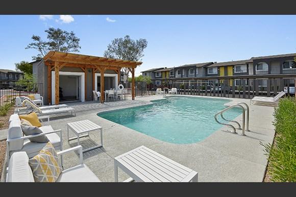 Seventeen 805 Apartments 17805 North 40th Street Phoenix Az Rentcaf