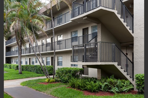 Park Plaza Apartment Homes 17600 Nw 5th Ave Miami Fl Rentcaf