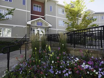 1540 Sherwood Blvd. NW (2000) 1-2 Beds Apartment for Rent Photo Gallery 1