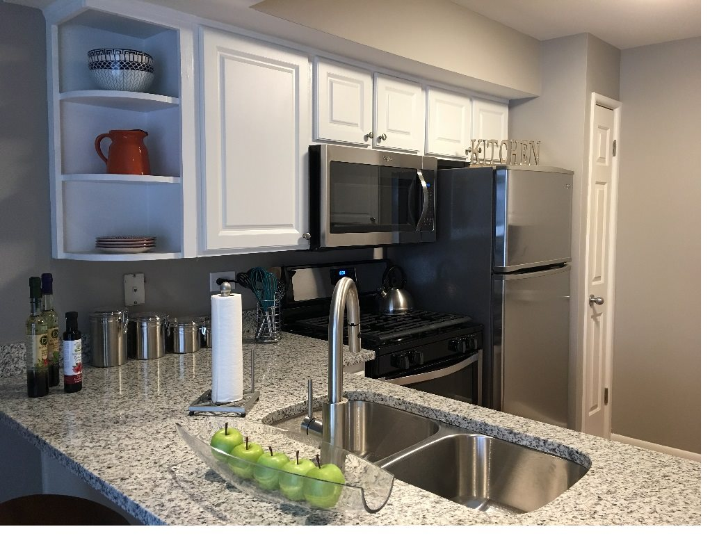 Newly Renovated Kitchen at Briarbrook Apartments, Wheaton, IL 60187