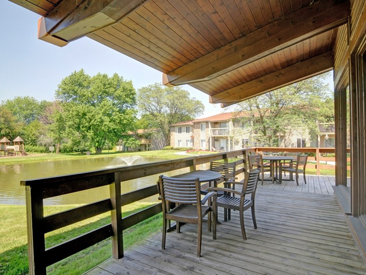 Outdoor Clubhouse Patio at Briarbrook Apartments, Wheaton
