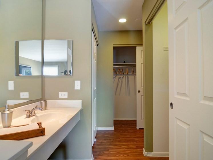 Clean & Modern Bathroom at Briarbrook Apartments, Wheaton, 60187