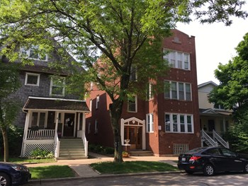 2107 W Eastwood Ave 3 Beds Apartment for Rent Photo Gallery 1