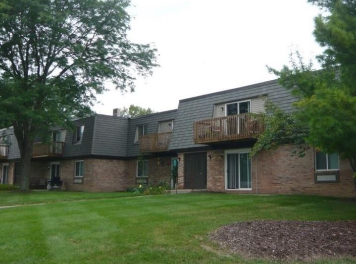 Okemos_Apartments_Balcony