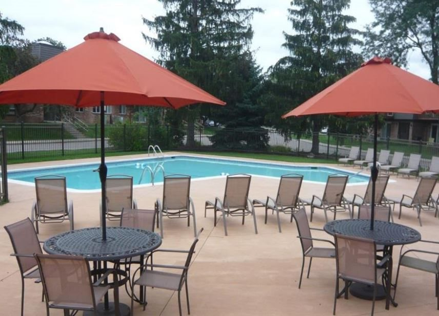 Okemos_Apartments_With_Swimming_Pool