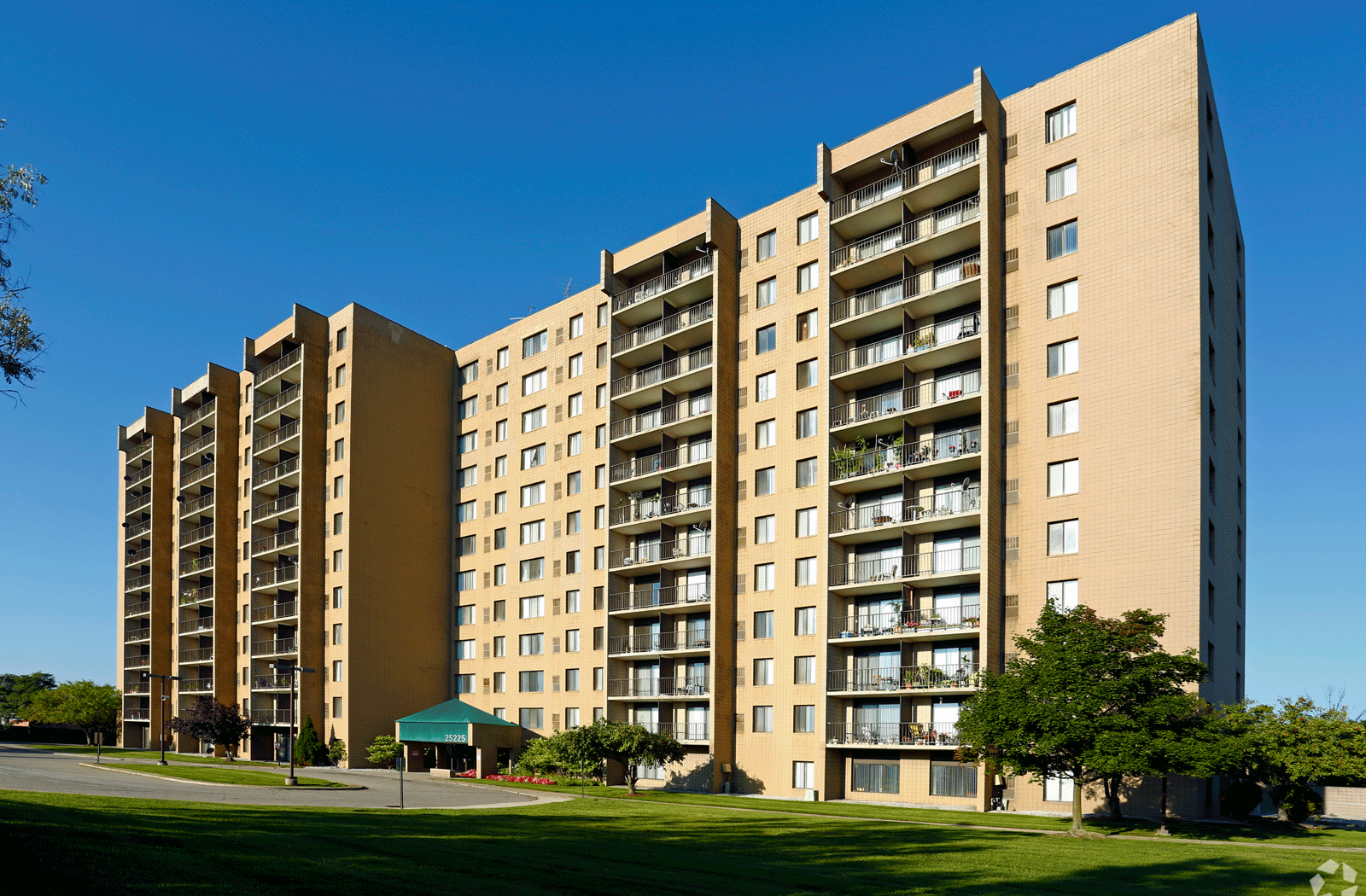 Highland Towers Senior Apartments homepagegallery 1