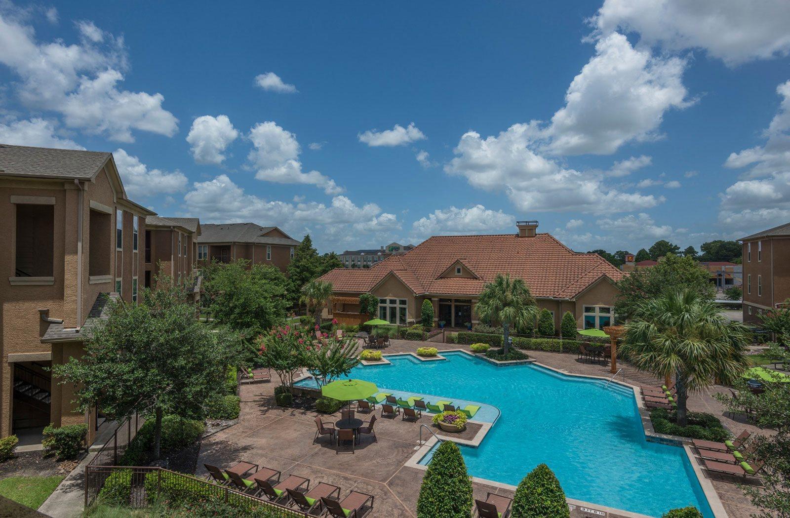 Resort Style Swimming Pool at Tiburon Houston