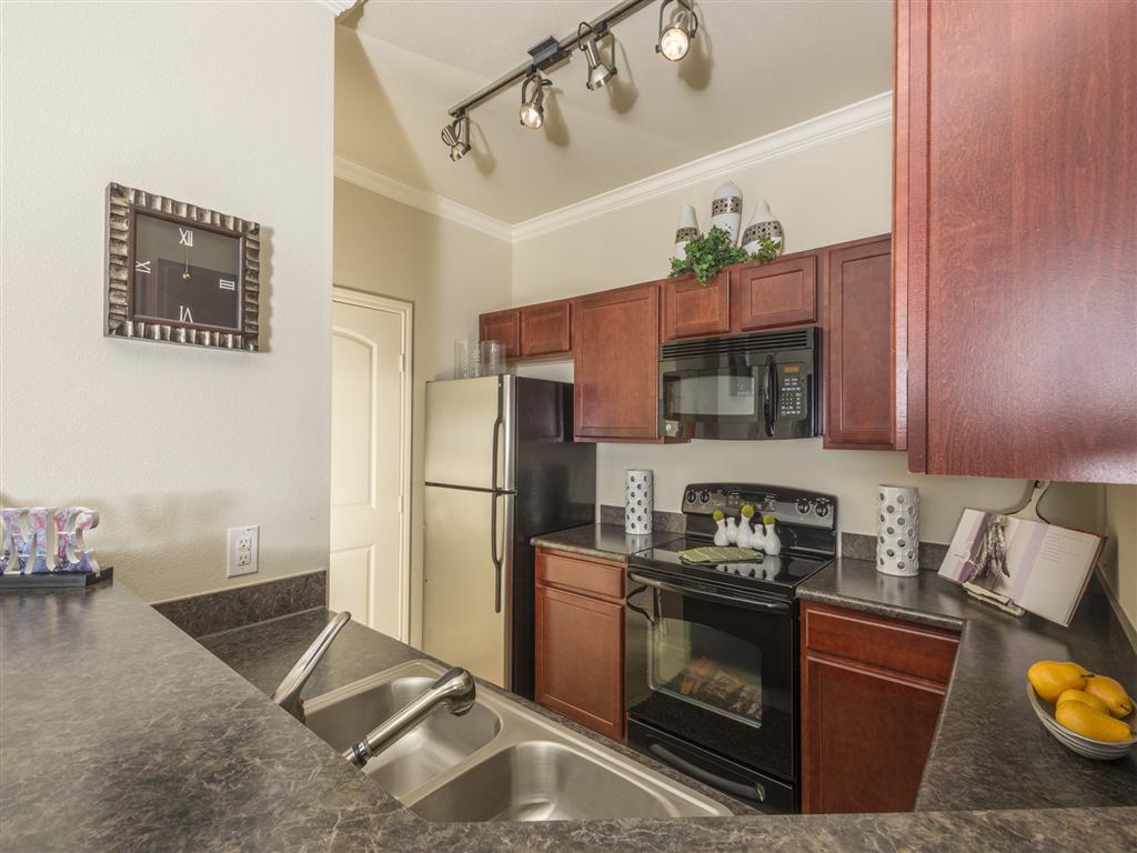 North Houston Apartments Tiburon Photo Gallery