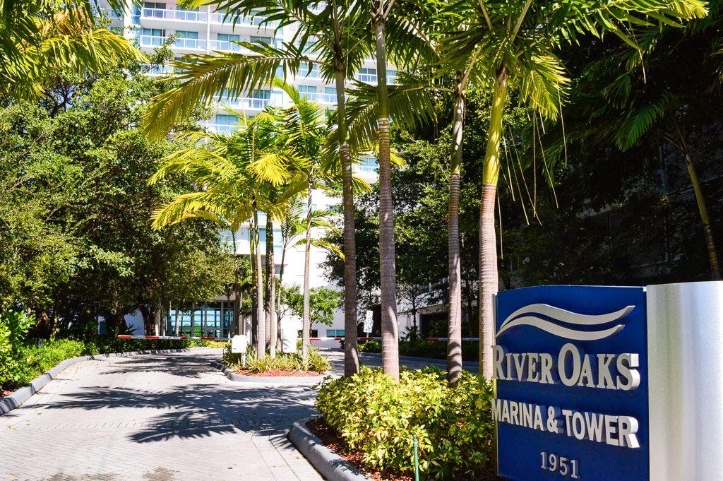 River Oaks Apartments Miami