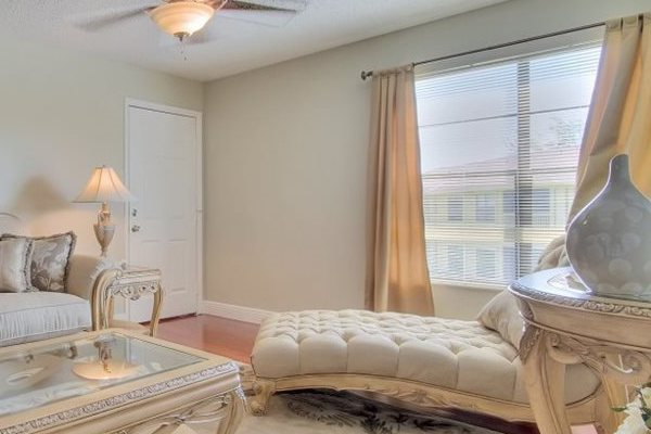 Belvedere at Quail Run Apartments in Naples, FL,34105 window coverings