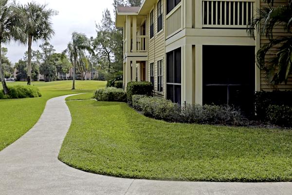 Belvedere at Quail Run Apartments in Naples, FL,34105 walking path to Quail Run Golf Course
