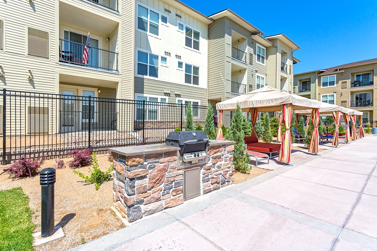 Poolside Grill at Westlink at Oak Station Apartments in Lakewood, CO