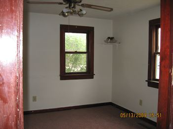 1938 E 11TH ST 2 Beds Apartment for Rent Photo Gallery 1