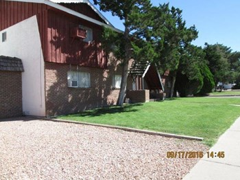 1640-1650 MOORE AVENUE 1 Bed Apartment for Rent Photo Gallery 1