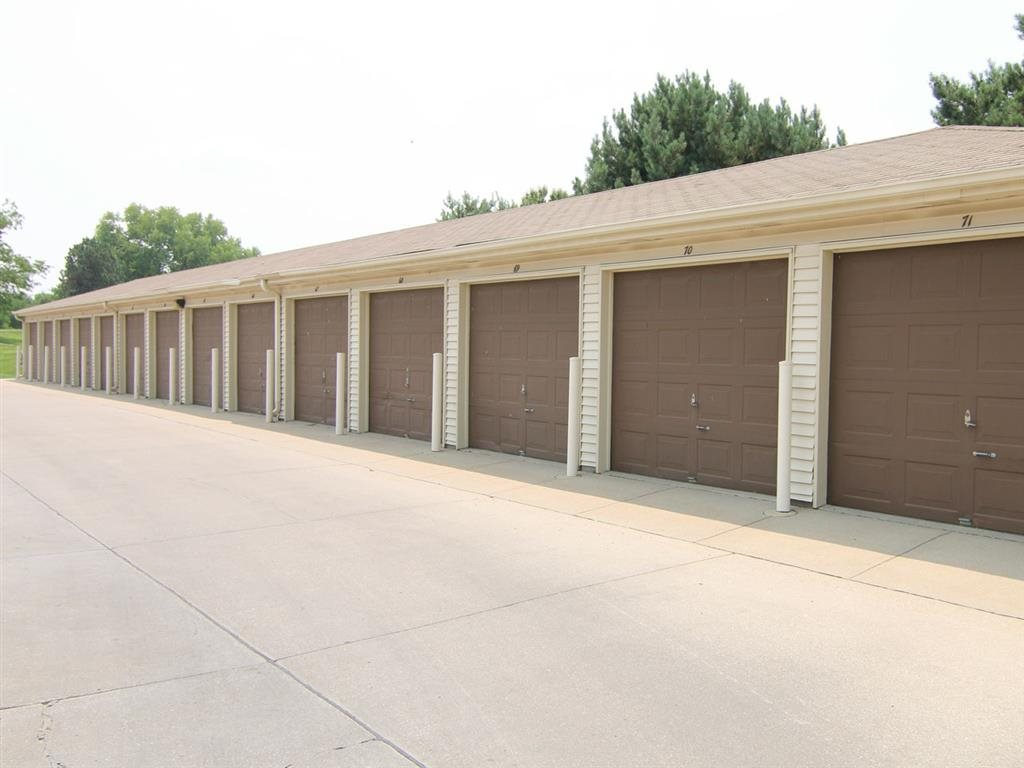 garages at Fountain Glen Apartments in Lincoln Nebraska