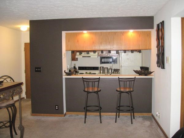 kitchen and dining room at Fountain Glen Apartments in Lincoln Nebraska