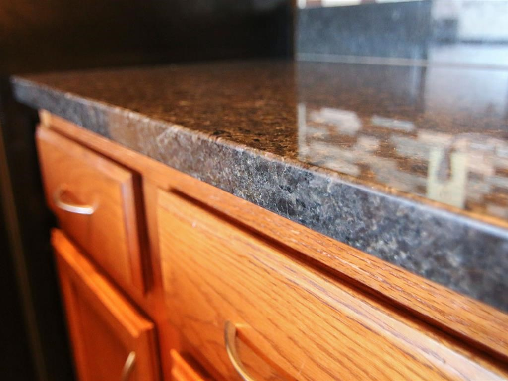kitchen counter at Fountain Glen Apartments in Lincoln Nebraska