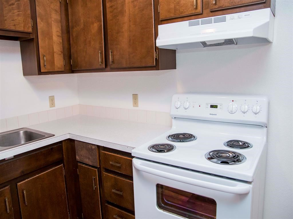 Interiors-Great Plains Apartments Kitchen in Alliance, NE