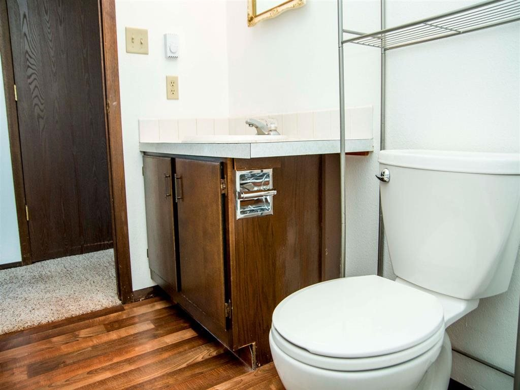 Interiors-Great Plains Apartments Bathroom in Alliance, NE
