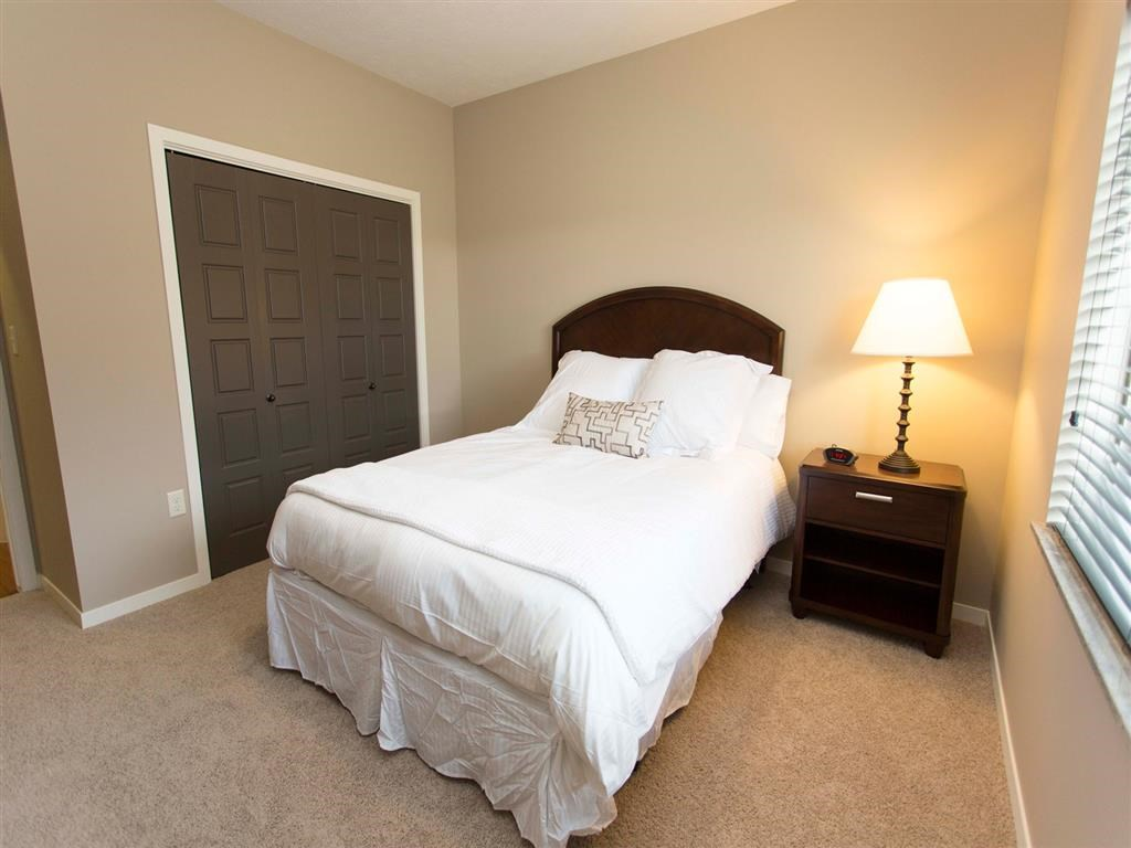 Interiors-North Pointe Villas luxury townhome bedroom for rent in north Lincoln NE