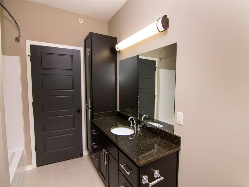 Interiors-North Pointe Villas Bathroom in Lincoln NE