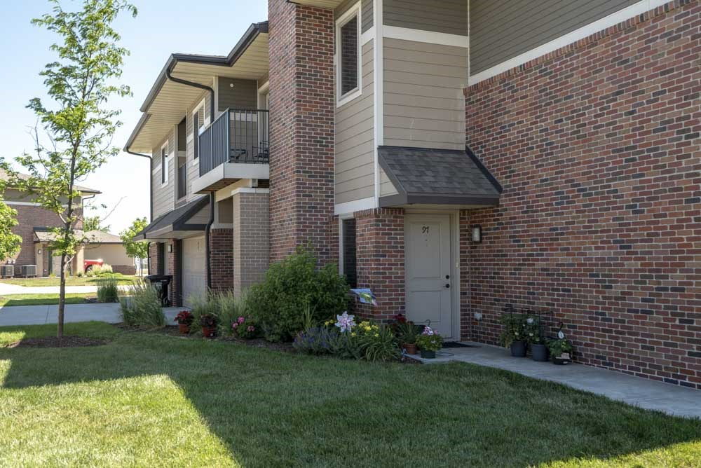 Private entrances and balconies at North Pointe Villas luxury townhomes for rent in North Lincoln NE