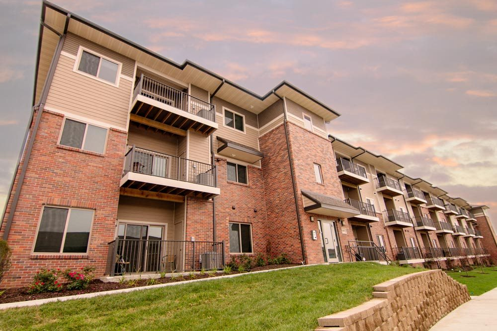 Flats-style building at North Pointe Villas luxury apartments in north Lincoln 68521