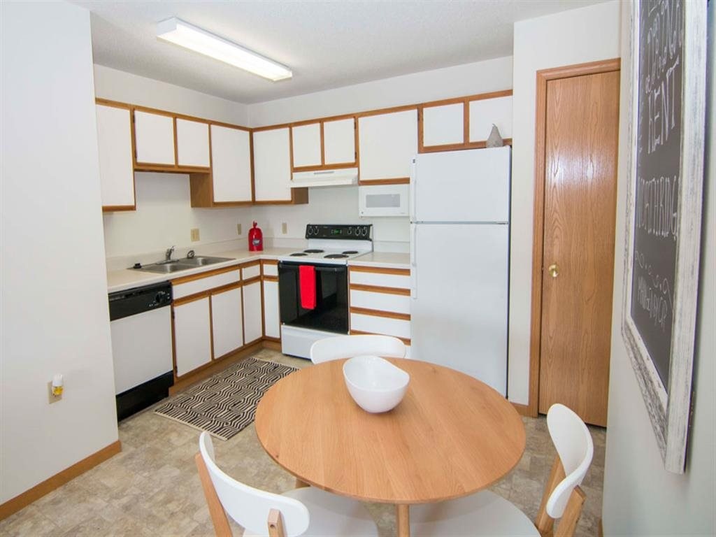 Northridge Heights Apartments Kitchen with Breakfast bar in Lincoln NE