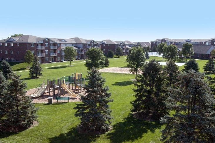 -Northridge Heights Apartments Beautiful Building View in Lincoln NE