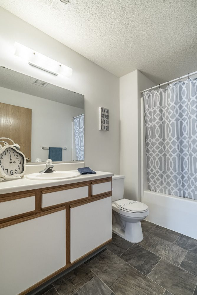 Interiors-Bathroom in 2-bedroom apartment with bathtub at Northridge in Lincoln, NE