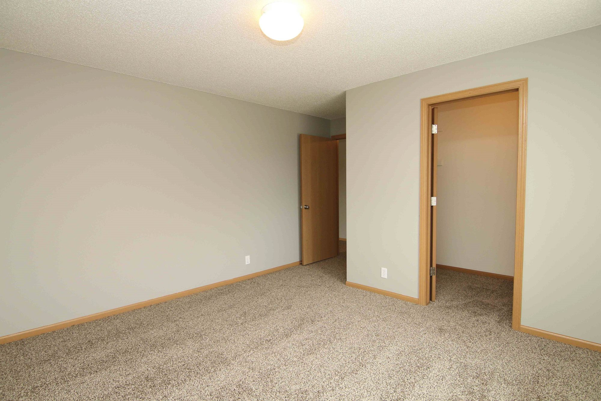 Interiors-Renovated three bedroom at Northbrook Apartments