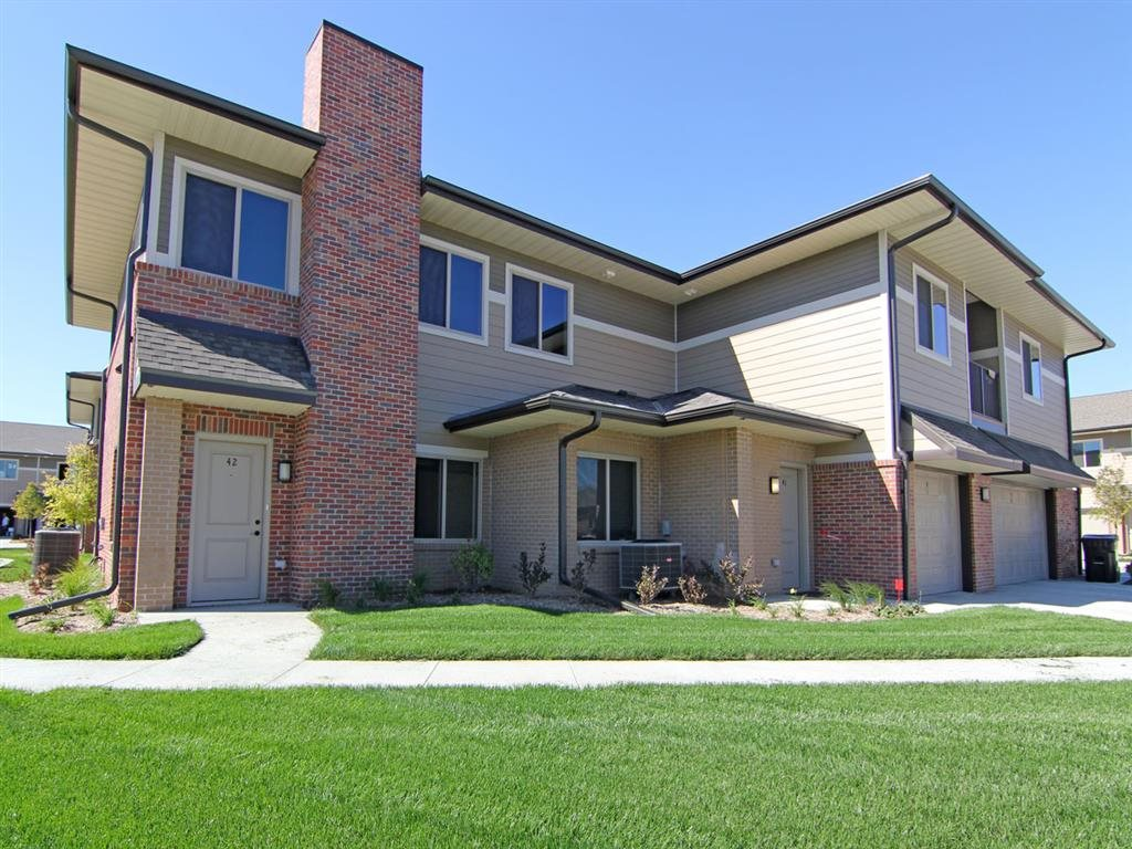 exterior space at Villas at Wilderness Ridge in Lincoln Nebraska