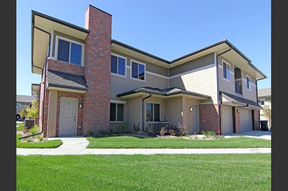 The villas at wilderness ridge apartments 8801 executive for 7233 parkside villas drive north