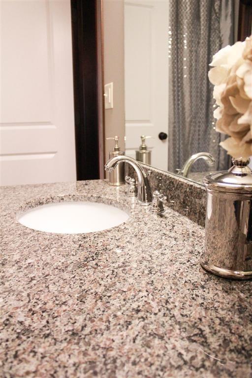washroom counter at Villas at Wilderness Ridge in Lincoln Nebraska