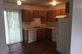 1329 North Williamsburg Street 3-4 Beds Apartment for Rent Photo Gallery 1