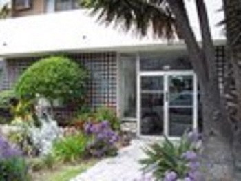 537 So. Wilton Place 1-3 Beds Apartment for Rent Photo Gallery 1