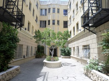 849 So. Gramercy Drive Studio-2 Beds Apartment for Rent Photo Gallery 1