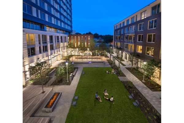 Open Courtyard at The Pearl, Silver Spring, MD 20910q
