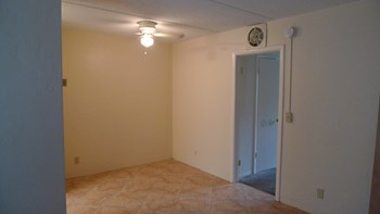 5400 North Flagler Drive 1-2 Beds Apartment for Rent Photo Gallery 1