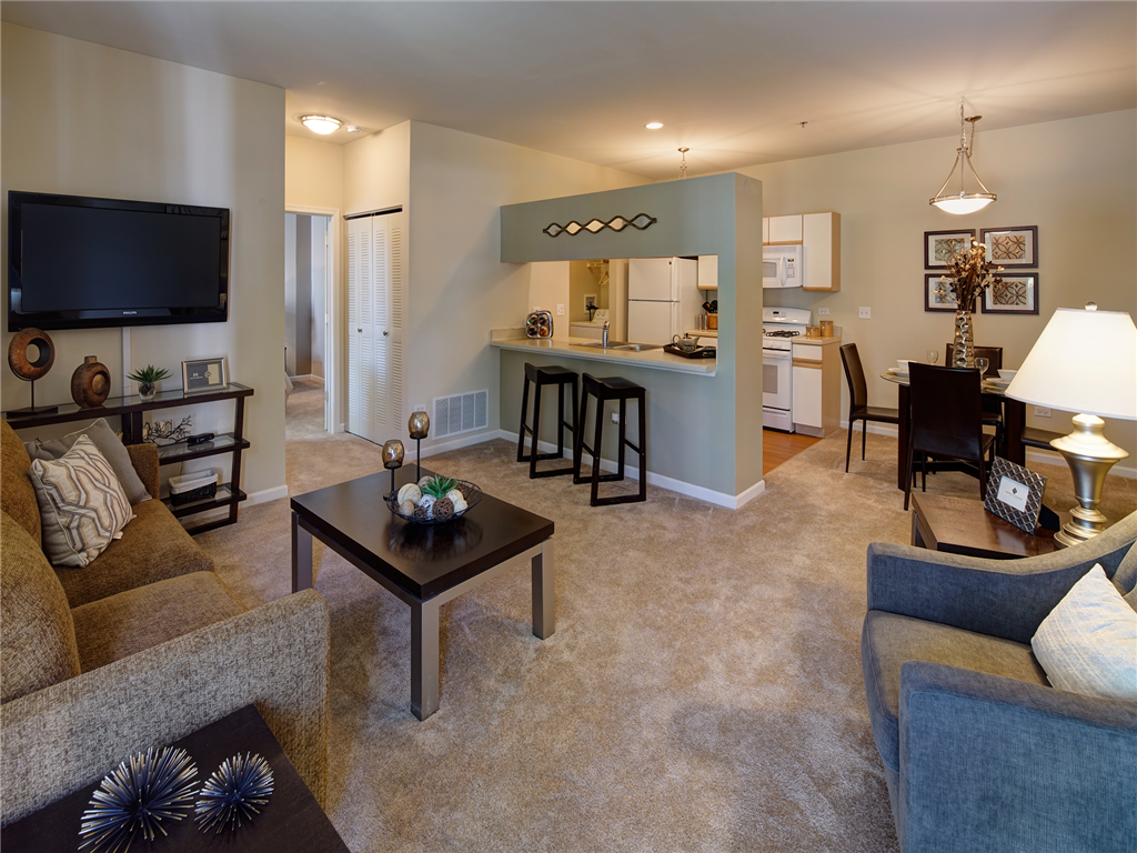 Open Living Room Layout at HighPoint Community Apartments, Romeoville, IL, 60446